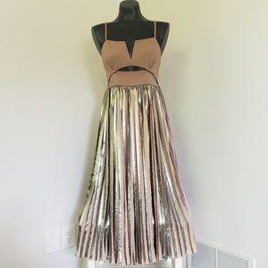 UNICORN ALERT 🚨 Free People Piper Dress in GOLD
